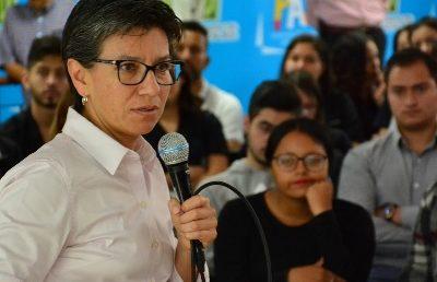 """""""La educación es la oportunidad de oro para el País"""": Claudia López"""