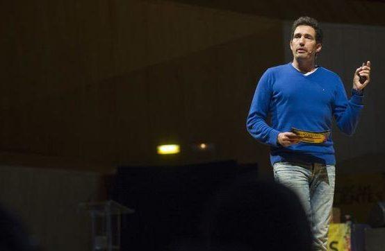 """César Bona: """"No podemos convertir la educación en una competición"""""""