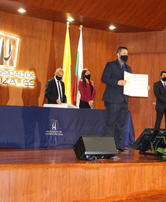 205 estudiantes de pregrado y posgrado obtienen su título esta semana en ceremonias presenciales y virtuales